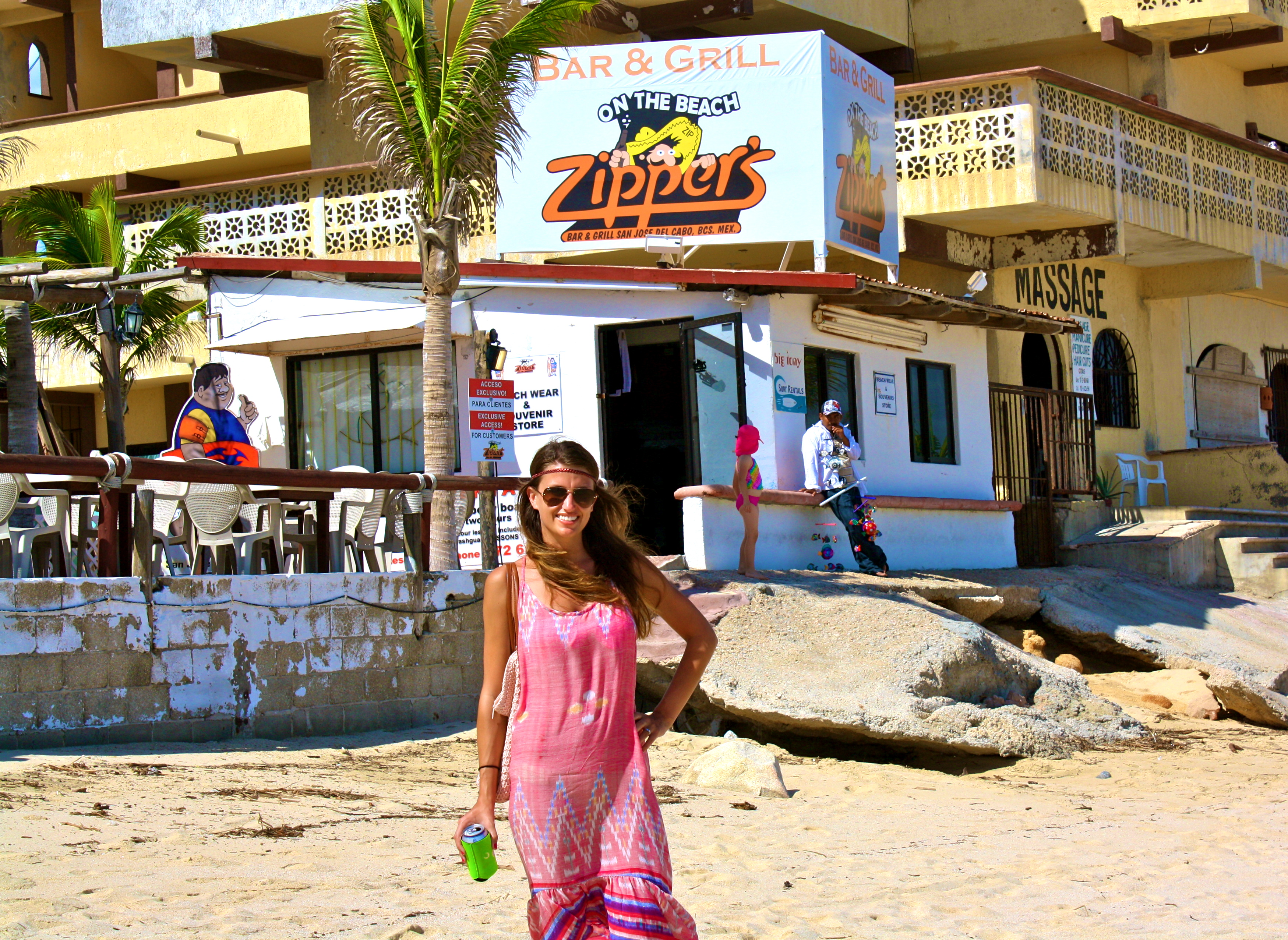 Zipper's Cabo