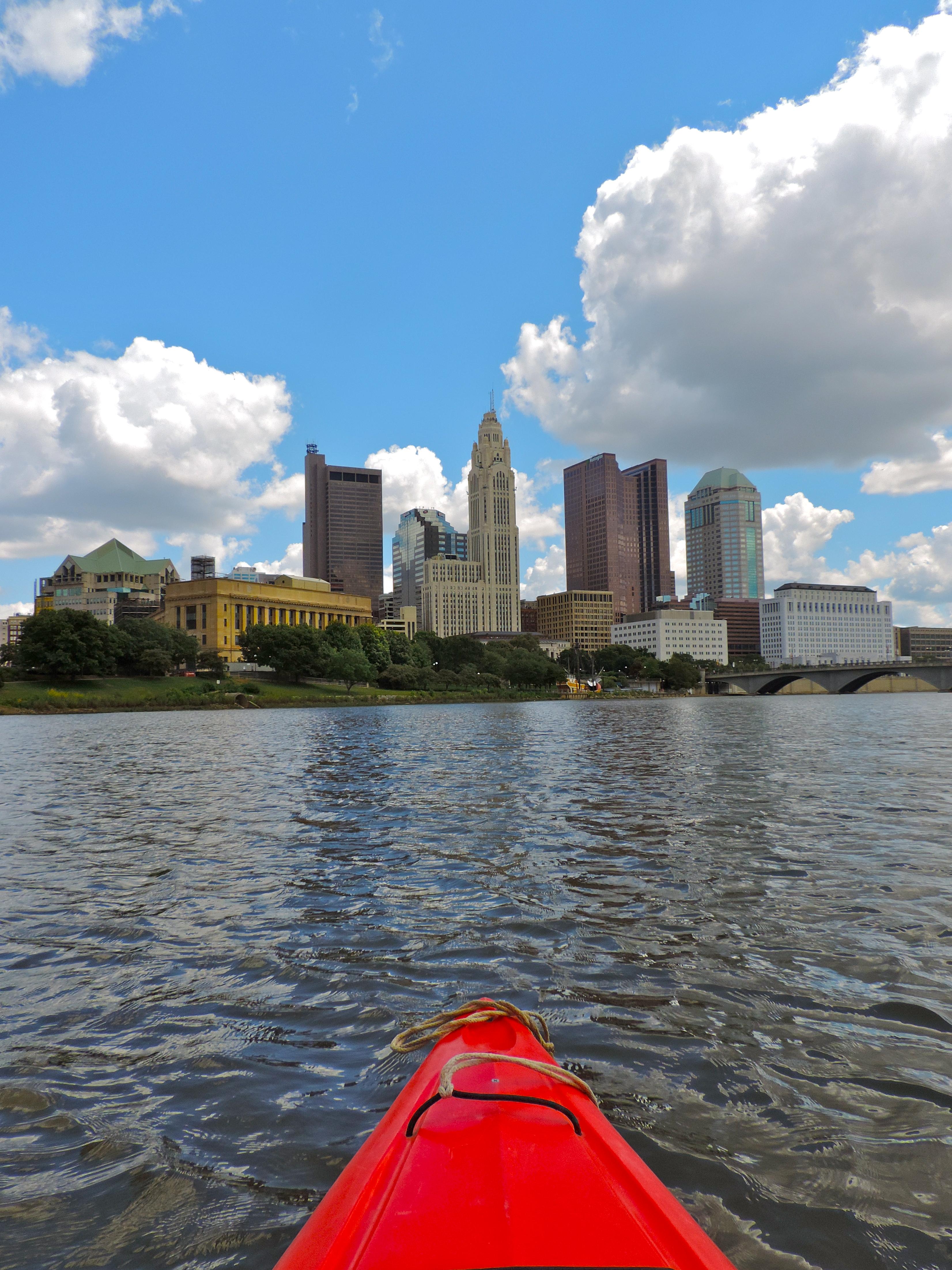 girl_about_columbus_scioto_river_kayaking