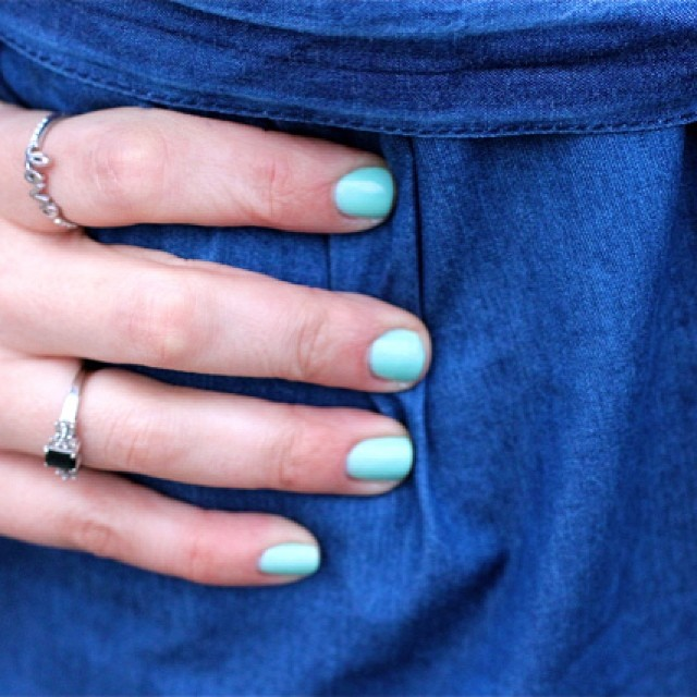 fashion-playground-essie-nail-polish-mint-green