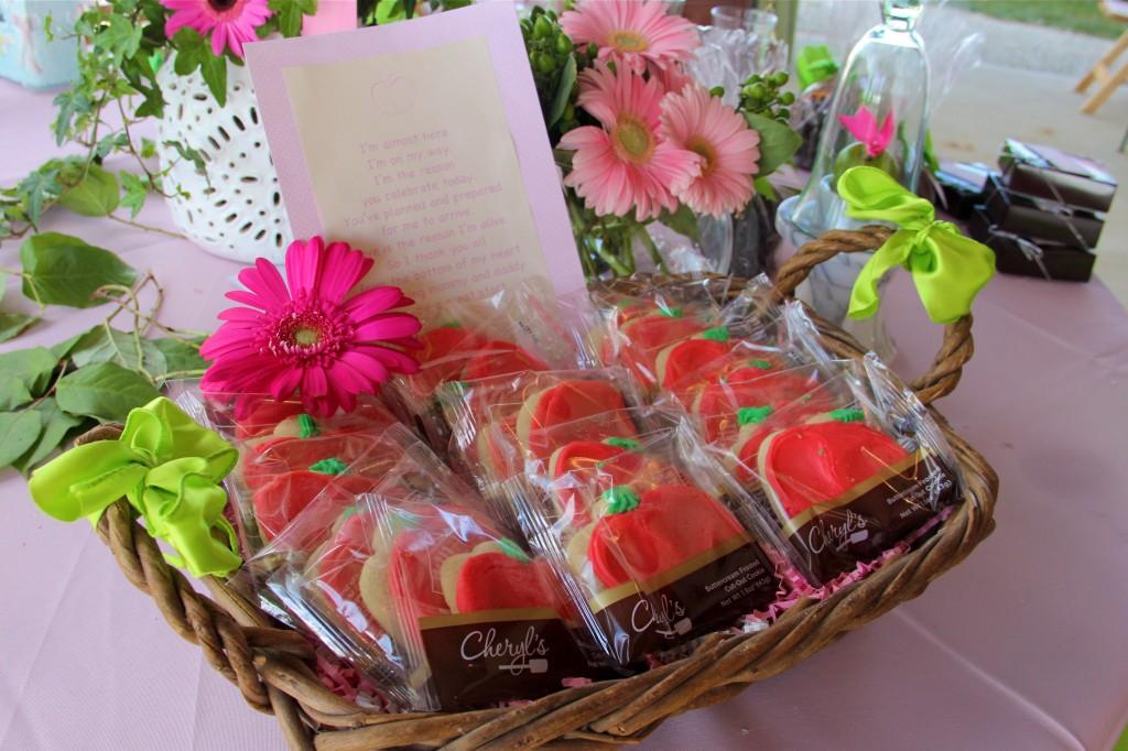 cheryls-cookies-apple-shape
