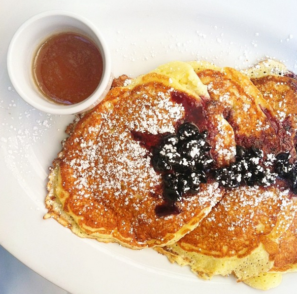 Lindeys-lemon-ricotta-pancakes-german-village-columbus-ohio-brunch