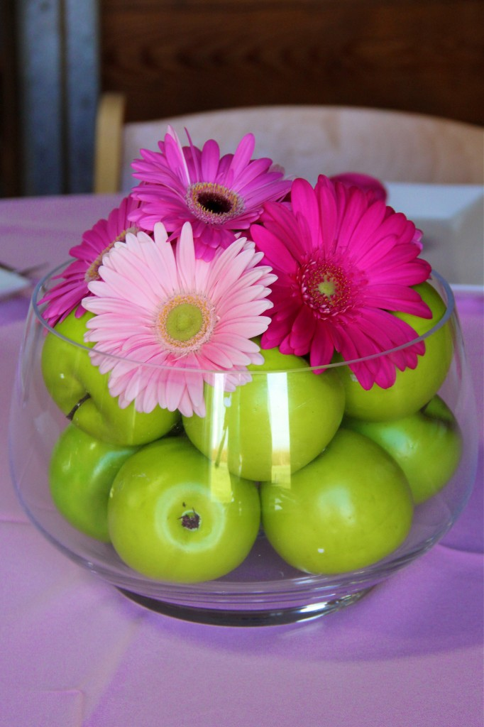 pink_green_table_centerpiece