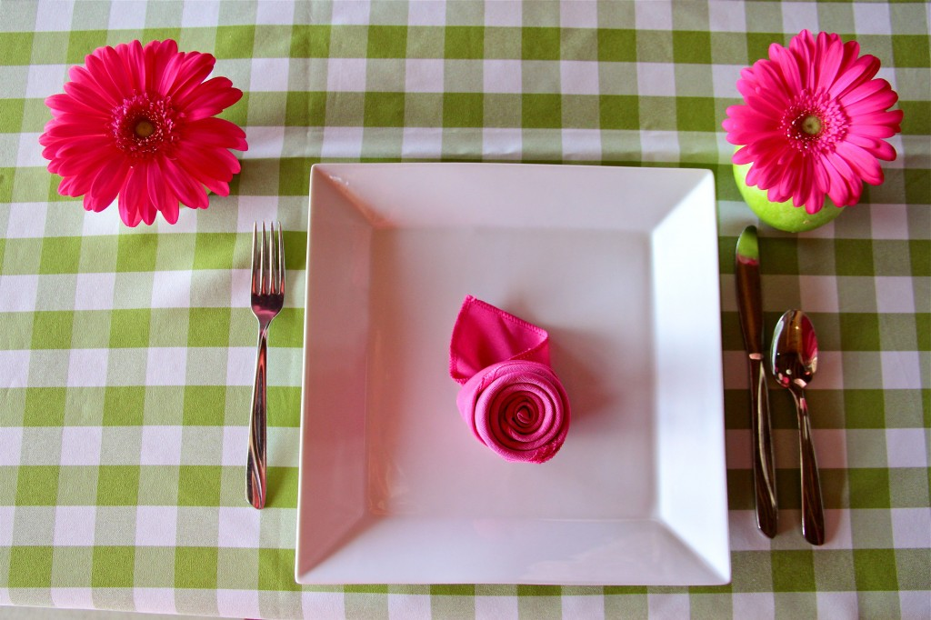 pink-green-baby-shower-table-settings