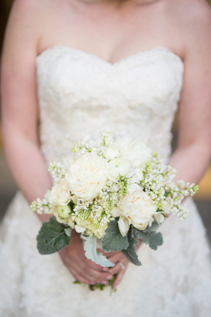 ivory-green-bridal-bouquet