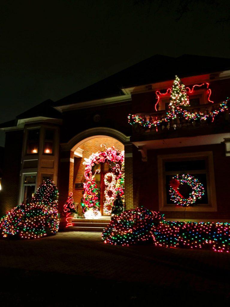 cocoa-manor-christmas-lights-columbus-ohio
