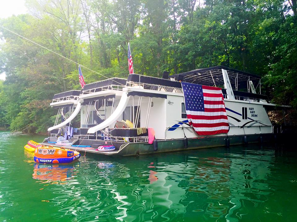 houseboat-fourth-of-july
