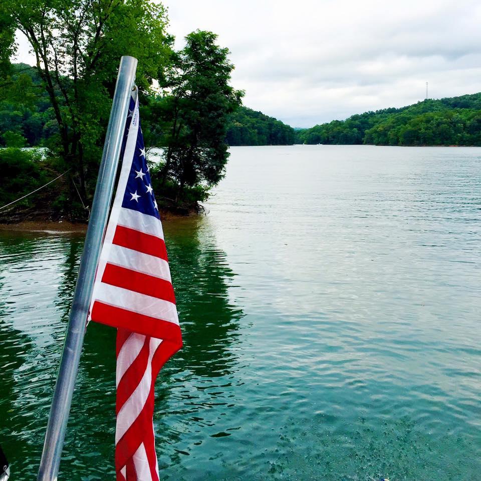independence-day-lake-norris
