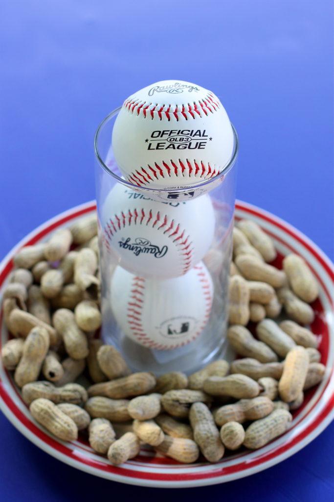 table-settings-baseball-party