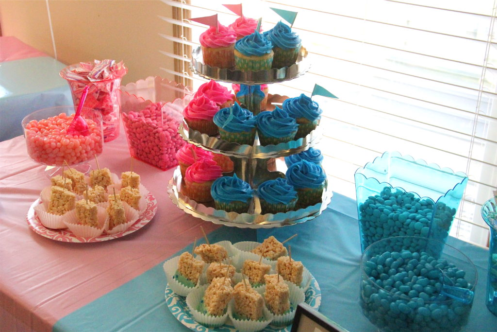 gender-reveal-party-ideas-cupcakes