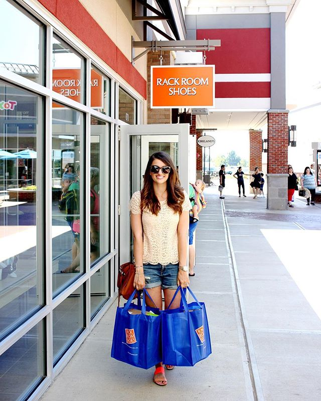 Tanger Outlets // girl about columbus