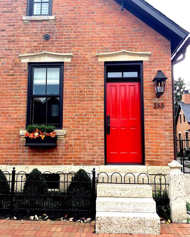 red-door-in-german-village