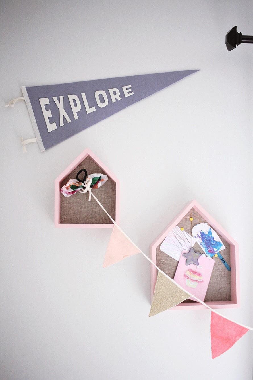 explore pennant flag