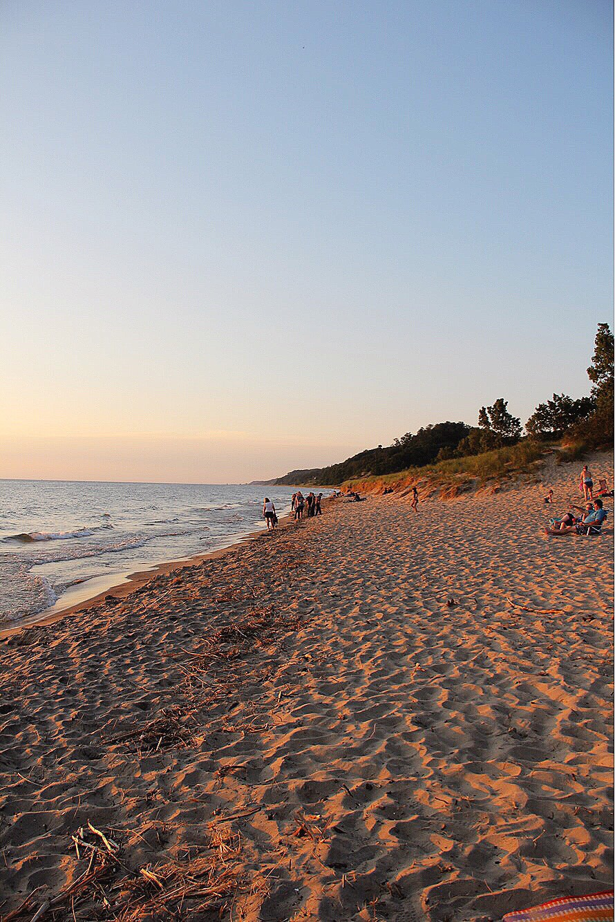 lake michigan sunset in saugatuck