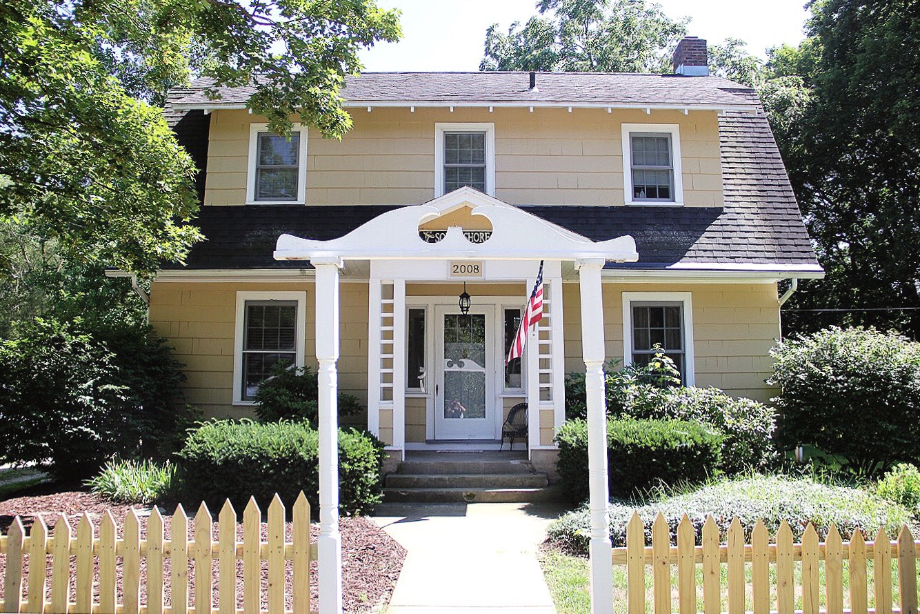 south shore cottage in holland, michigan