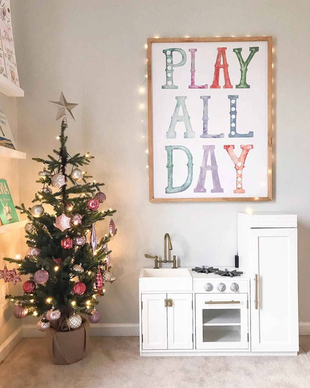 play-all-day-sign-playroom
