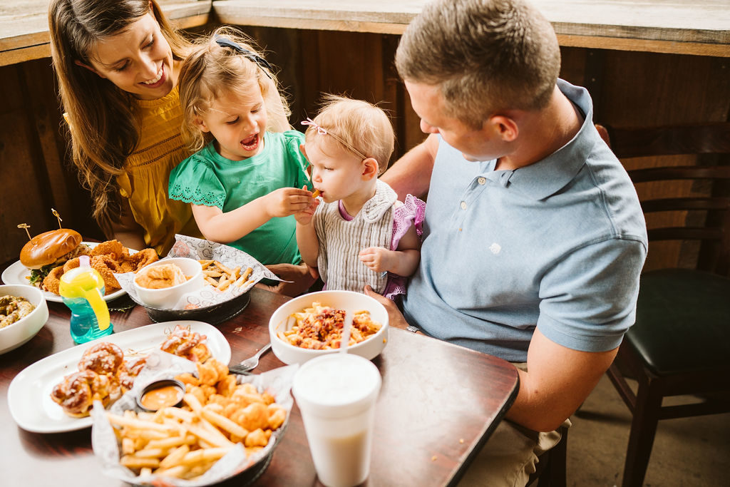 tips-for-dining-out-with-kids