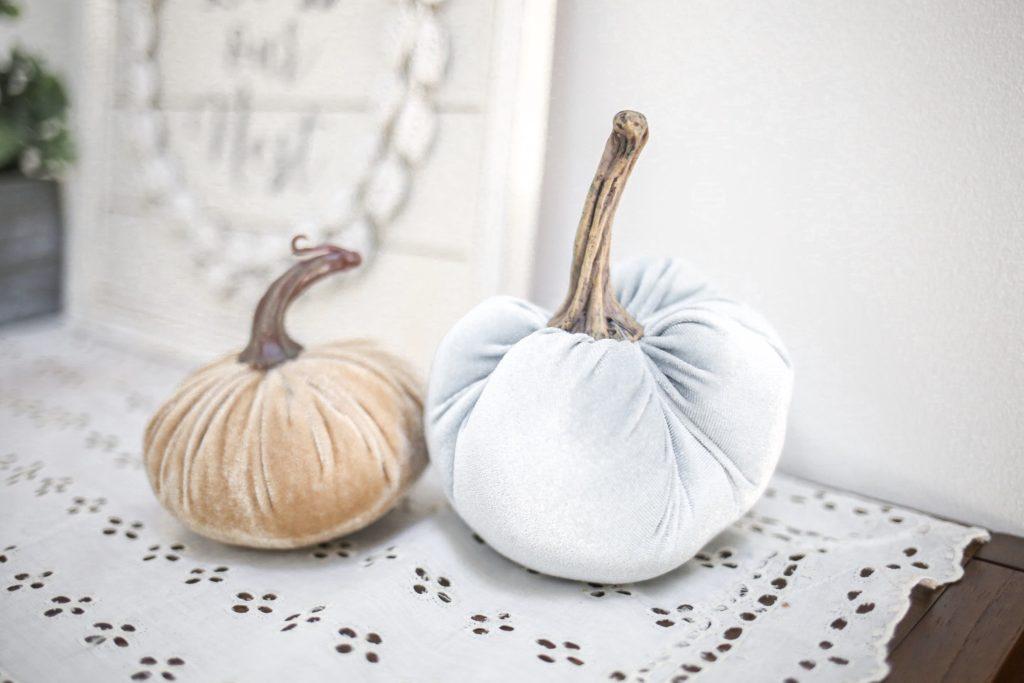 fall-decor-velvet-pumpkins