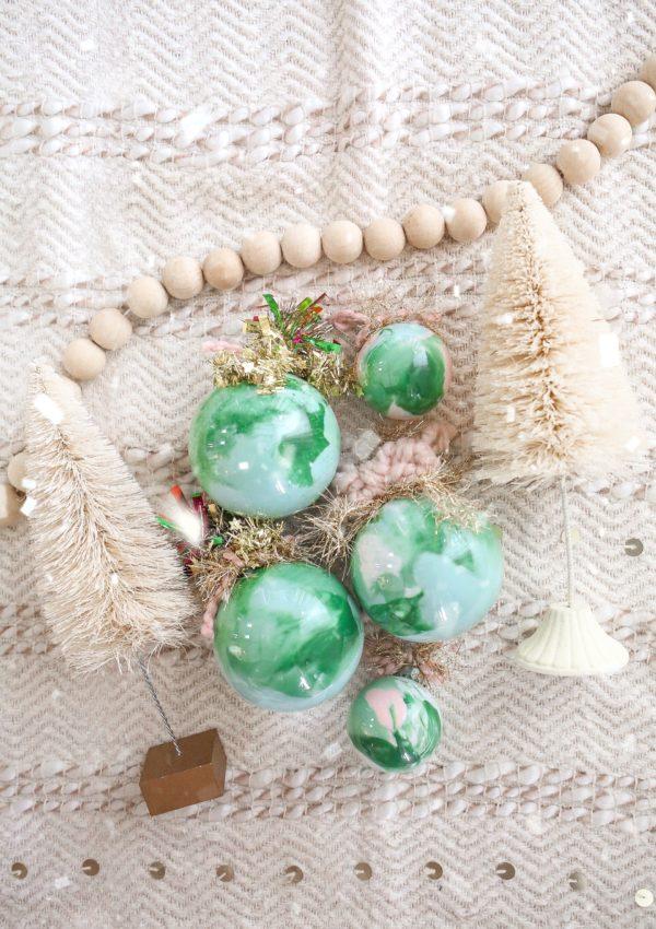 Easy Christmas DIY: Paint Shaking Ornaments